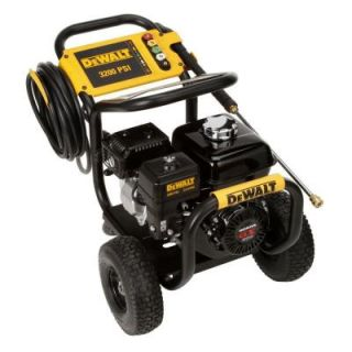 DEWALT Honda GX200 3200 psi 2.8 GPM Engine Pro Triplex Pump Gas Pressure Washer DISCONTINUED DXPW3228