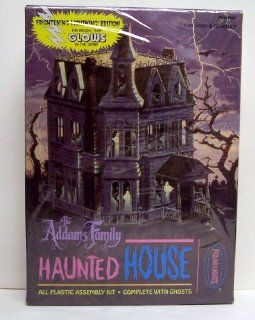 Polar Lights The Addams Family Haunted House Glow in the Dark Plastic Model Kit Toys & Games
