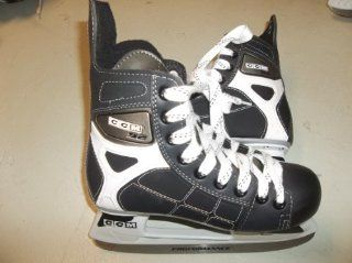 CCM 92 Ice Hockey Skates   Size 4.0 (youngster/teen)   only used a couple of time   Very Good CONDITION Sports & Outdoors