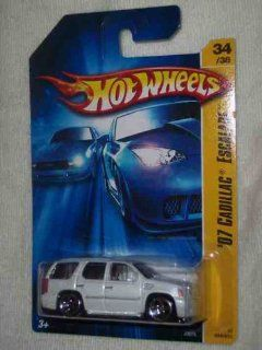 2006 First Editions  #34 2007 Cadillac Escalade White 5 Hole Wheels With Side Mirrors #2006 34 Collectible Collector Car Mattel Hot Wheels Toys & Games