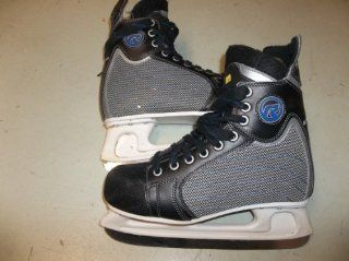 revolution T2 ice hockey Skates   Size 10.5 (adult/teen)     very good condition  Sports & Outdoors