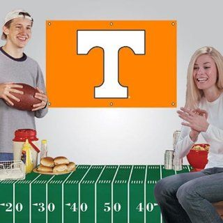 NCAA Tennessee Volunteers Fan Banner & Tablecloth 2 Piece Football Party Kit   Sports Fan Wall Banners