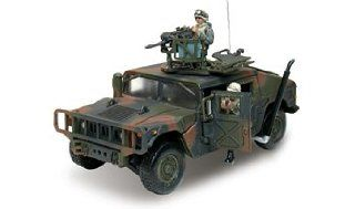 Forces of Valor U.S. M1025 HMMWV wtih MK 19 Grenade Launcher 132 Scale Die Cast Truck Toys & Games