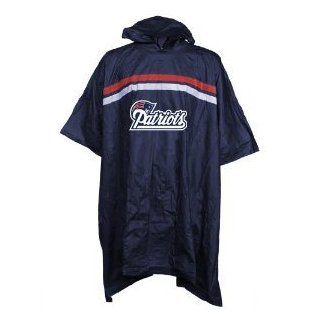 New England Patriots NFL Waterproof Hooded Poncho   Size Big  Sports Fan Outerwear Jackets  Sports & Outdoors