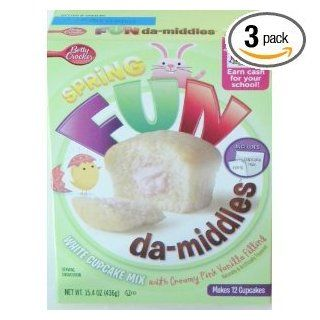Betty Crocker Fun Da middles White Cupcake Mix Pink Vanilla Filling (15.4 Oz.   Makes 12 Cupcakes) (Pack of 3)  Cake Mixes  Grocery & Gourmet Food