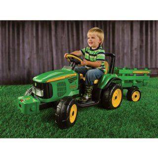 John Deere Battery Powered 12 Volt Farm Tractor/Trailer