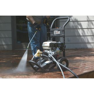NorthStar Gas Cold Water Pressure Washer — 2.5 GPM, 3000 PSI, Model# 15781120  Gas Cold Water Pressure Washers