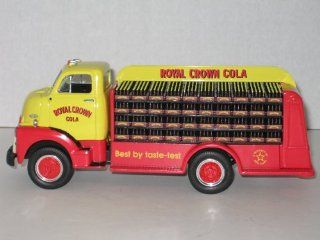 First Gear Die Cast, 19 1739, 1952 GMC Bottle Truck with Royal Crown Cola Logo, 1/34th Scale Toys & Games